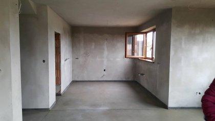 kuchyňa na mieru a posuvné dvere do komory