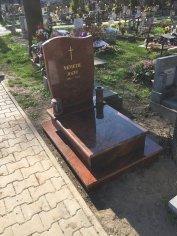 Pietny a dôstojný detský hrob multicolor
