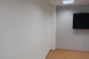 Tapetovanie a maľba redakcie Košice-DNES / reprezentačná jednacia miestnosť