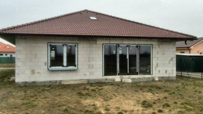 Plastové okná a hliníkové dvere