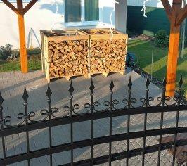 Dodávka dubového palivového dreva