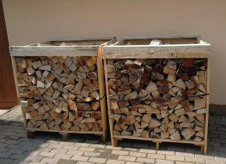 Dodanie krbového dreva s dovozom