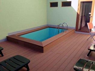 Ochladzovací bazén ku saune z wpc materiálu SUFLOOR®. Penzión Ľadoveň