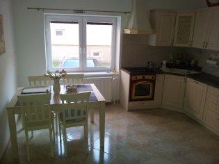 Kuchynská linka , obývačka