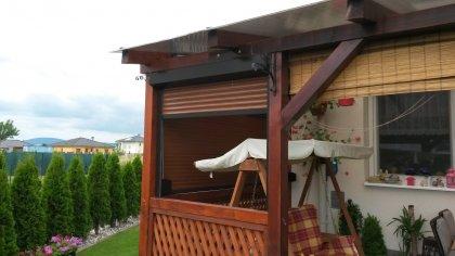 Rolety na drevený prístrešok