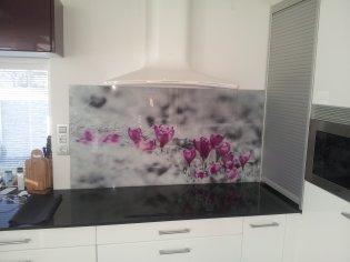 sklenena zástena s motívom