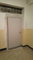 Rekonštrukcia pivnice, požiarne dvere - Bratislava Petržalka