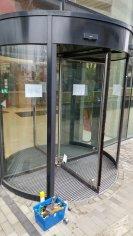 Výmena skla, karuselové dvere, OMNIA - Bratislava